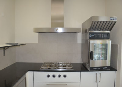 Valcuisines - cuisine semi-professionel en CDF décor blanc_M0111