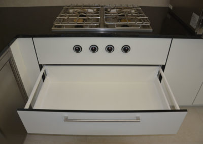 Valcuisines - cuisine semi-professionel en CDF décor blanc_M017
